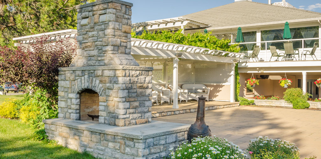 Outdoor Fireplace vs. Fire Pit: Which is better? | Boxley Hardscapes